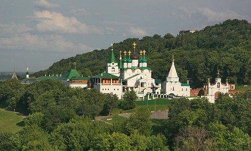 Печерский Вознесенский монастырь общий вид