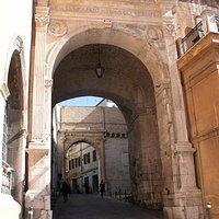 Arco in via Gramsci