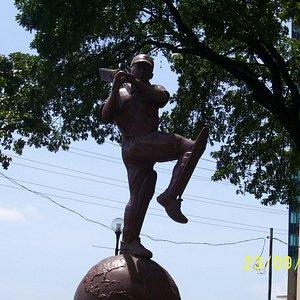 Brian Lara Statue