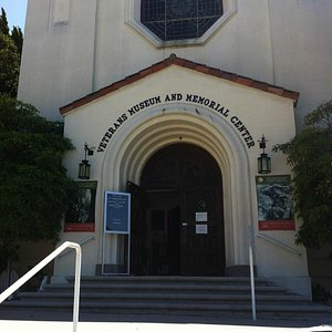 Veterans' Museum and Memorial Center