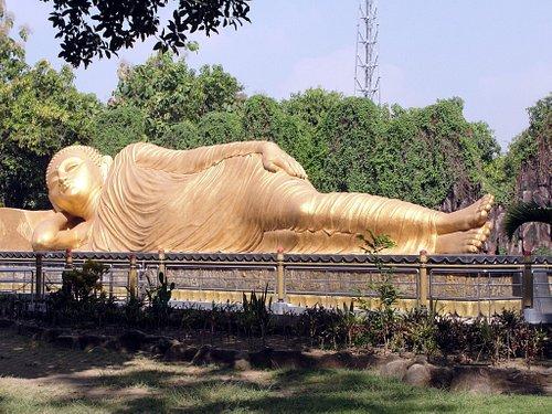The Sleeping Buddha statue