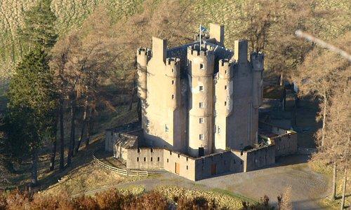 Braemar Castle from Craigchoinnich