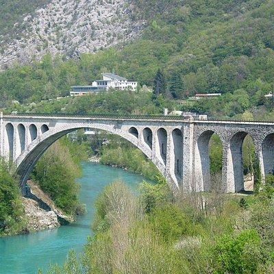 Eisenbahnbrücke über die Soca