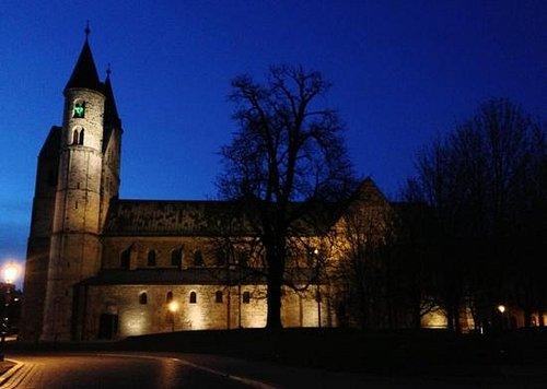 Kloster bei Nacht