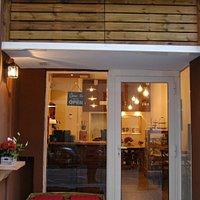 The Spice Café in Poble Sec