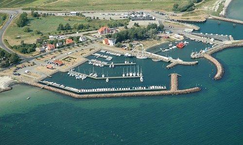 Spodsbjerg Turistbådehavn, som har 180 liggepladser, tilbyder vore gæstesejlere nogle af de beds