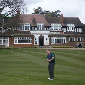Chipping green Sunningdale