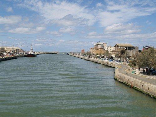 Kanal mit Via Portuese