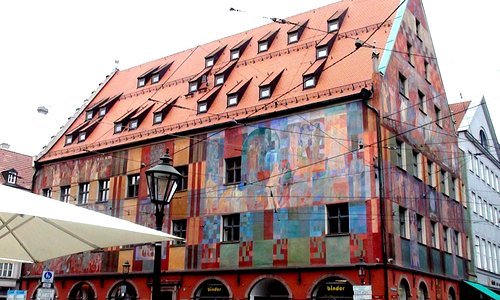 weberhaus is very interesting building,it have on the picture