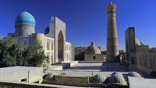 Buchara: Ensemble Poi Kalon (Kalon-Moschee, Kalon-Minarett,  Miri-Arab-Medresse)
