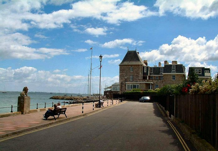 Royal Yacht Squadron building, Cowes