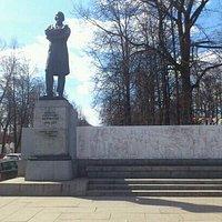 Н.А.Некрасов. май 2013.