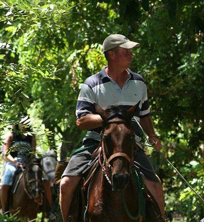Sterlin, The trail guide