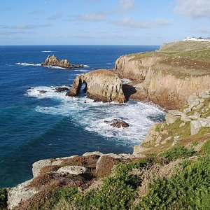 Coasteering set in the breathtaking scenery of the Lands End peninsula
