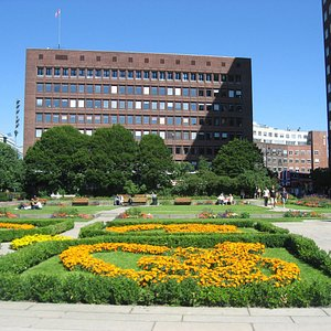 Oslo City Hall's building & Garden