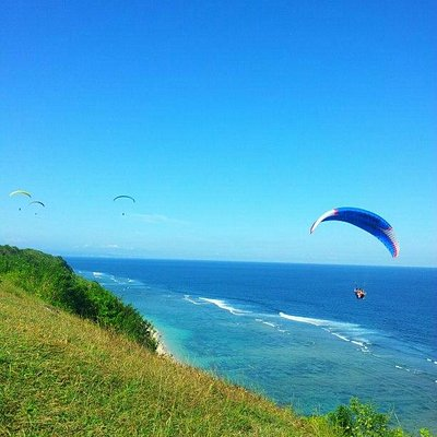 Bali Paragliding Tandem Flight at Timbis Beach, Denpasar Bali
