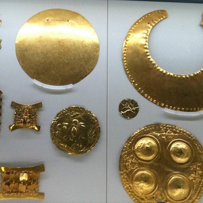 examples of gold crafted by the Costa Ricans