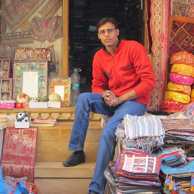 Onwer of Bellissimafort shop jaisalmer