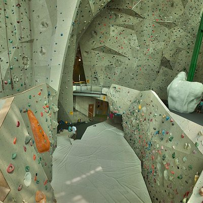 Panorama of Vista Wall,  Sentinel Wall and Highball Boulderwall