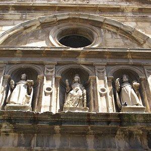 Detalle de la portada del Monasterio