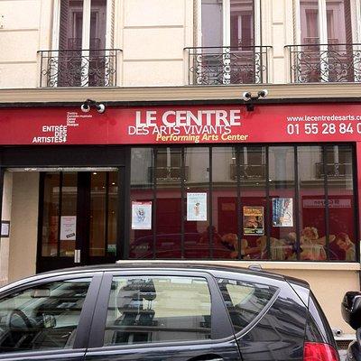 Le Centre des Arts vivants, l'une des plus grandes écoles de danse à Paris.