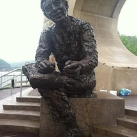 Mr. Rogers statue
