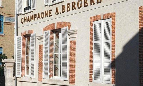 Façade on the Avenue de Champagne