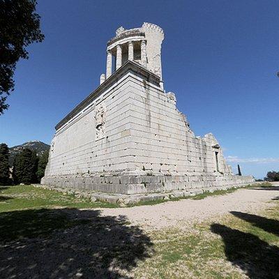 Visione d'insieme del monumento