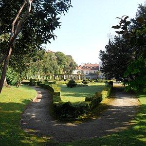 Parque de Ferrera, zona del jardin francés.