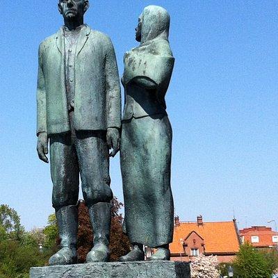 Karl- Oskar och Kristina (Utvandraremonumentet i Karlshamn)