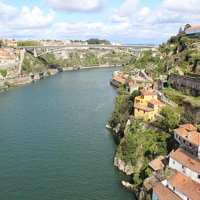 Porto: Douro-Tal (im Hintergrund: Ponte Infante Dom Henrique)