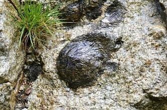 Hueco que queda en la roca original