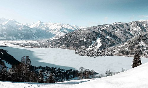 View at Zell am See-Kaprun in winter
