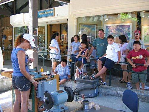 Honolulu Woodturners turning demonstration