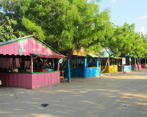 Restaurants at La Ensenada