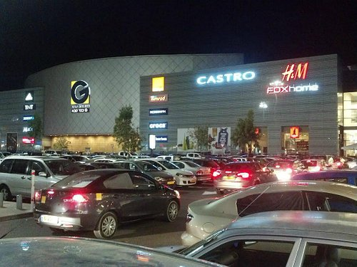 Vista nocturna del shopping