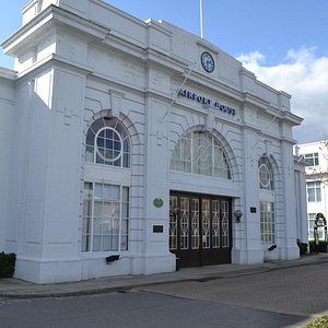 Croydon Airport (now Airport House) Front Entrance