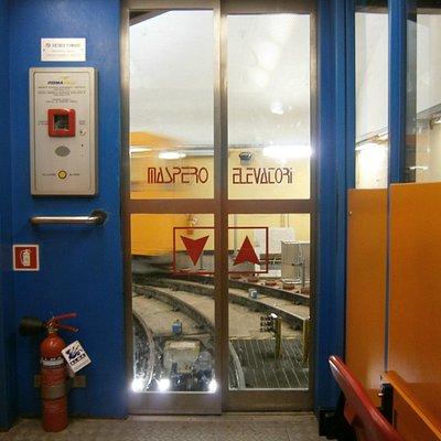la cabina dell'ascensore