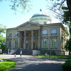 Krolikarnia Palace