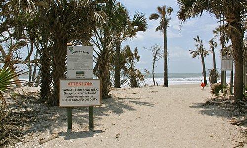 Bij de 'ingang' van het strand