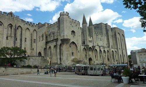 le palais des papes en Avignon
