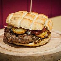 The Mountaineer, 200g Handmade Burger.