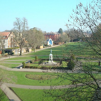 View towards the bandstand and war memorial