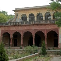 Old Building within Company Bagh