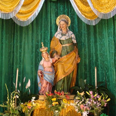 Simulacro di S. Anna sul trono per i festeggiamenti  di Luglio