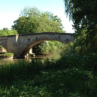 The current bridge, believed to be in more or less the same location as the historic bridge