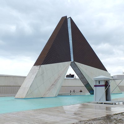 The monument to Portuguese soldiers fallen in Africa ( 1961 - 1975 )