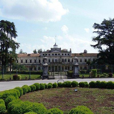 Ingresso di Villa Imperiale