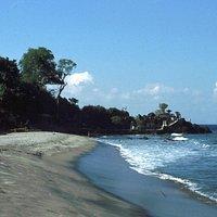 Pura Batu Bolong, Senggigi, Lombok