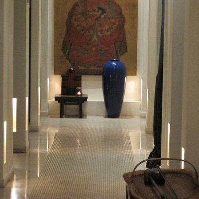 Corridors leading to the massage rooms